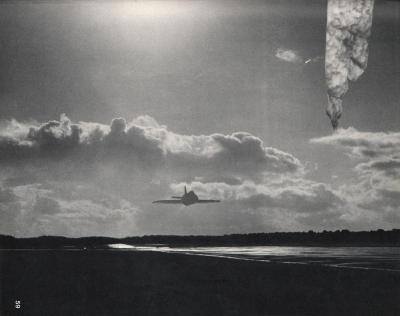 Michalis Pichler, clouds & sky #59, paper collage, 28x23cm